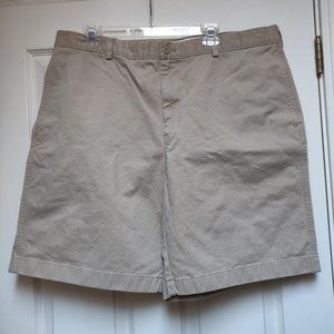 L.L. Bean Natural Fit Men's Chino Shorts Size 40